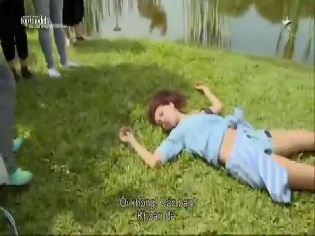 Khoảnh khắc ngất xỉu của Minh Tú ở tập 3 Asia's Next Top Model