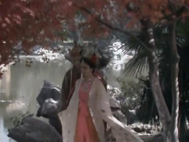 Nữ vương, Đường Tăng đi dạo ở ngự hoa viên