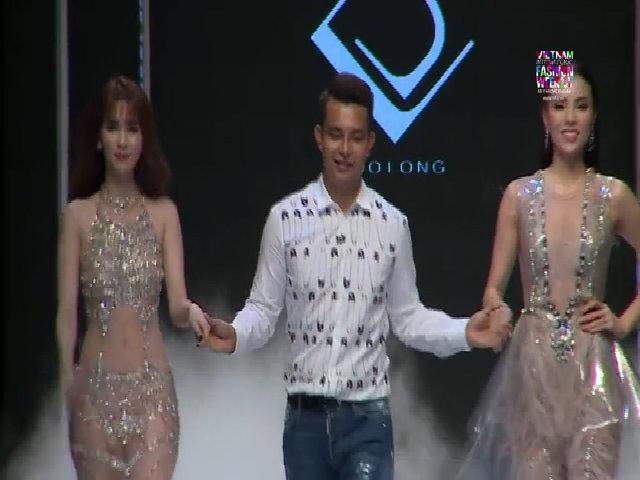 Ngọc Trinh, Kỳ Duyên cùng catwalk với váy trong suốt