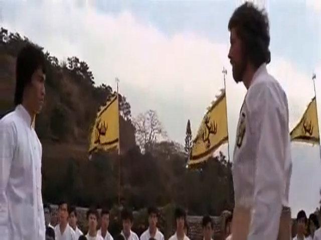 Lý Tiểu Long thể hiện bản lĩnh trong Long tranh hổ đấu (1973)