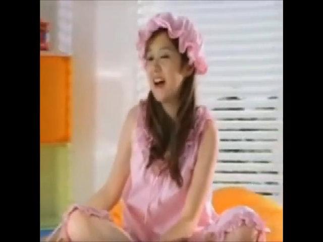 """Vẻ tươi trẻ vượt thời gian của Jang Nara trong MV """"Sweet Dream"""""""
