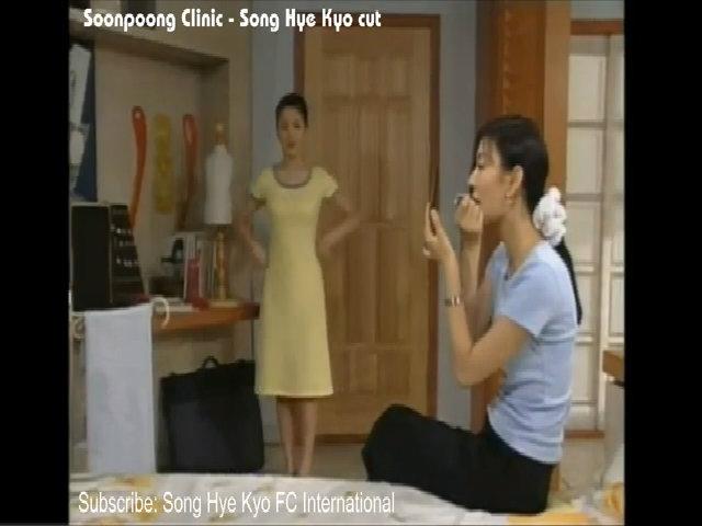 Kim So Yeon và Song Hye Kyo trong 'Bệnh viện phụ sản Soonpoong'