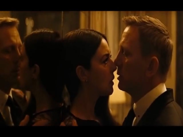 James Bond Kiss! (Spectre 2015) Monica Bellucci