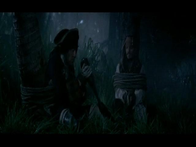 Geoffrey Rush và Johnny Depp bị trói trong phần bốn
