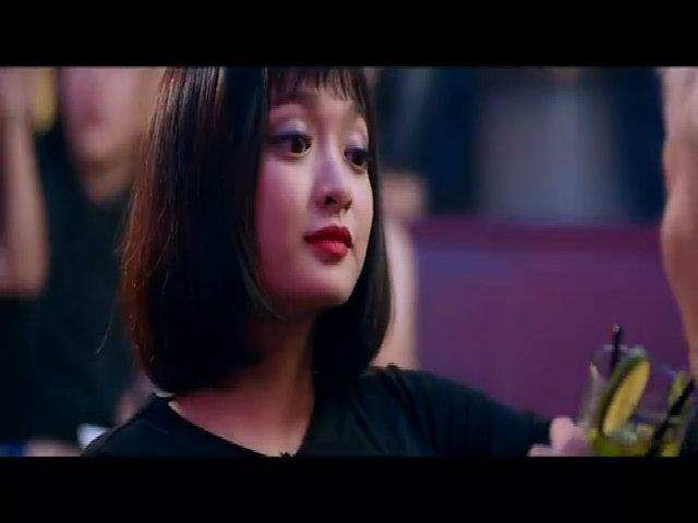 """Kaity Nguyễn """"tống tình"""" Kiều Minh Tuấn bằng clip """"nóng"""" trong phim"""