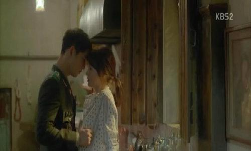 "Song Joong Ki trong ""Hậu duệ mặt trời"""