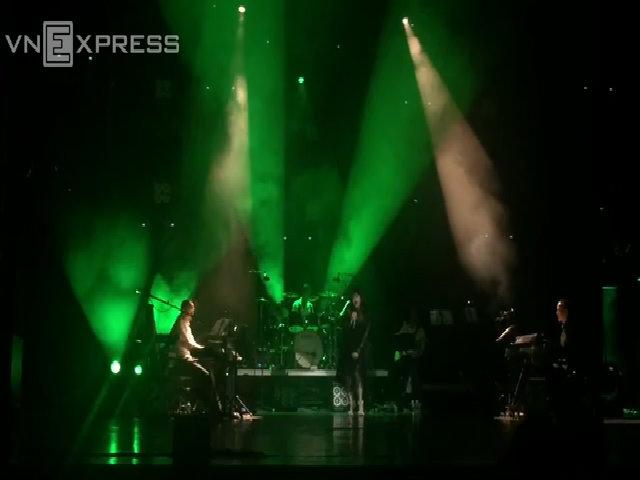 Thanh Lam hát 'Tre xanh ru'