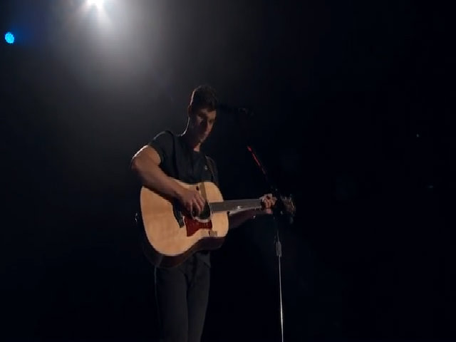 Shawn Mendes hát 'Stitches'