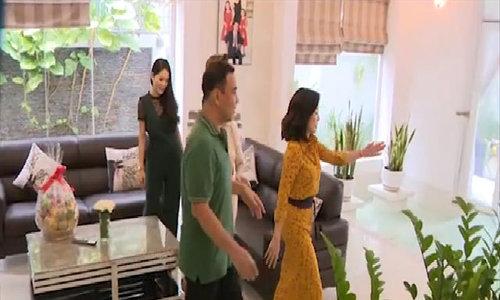 Quyền Linh dẫn đồng nghiệp tham quan cơ ngơi