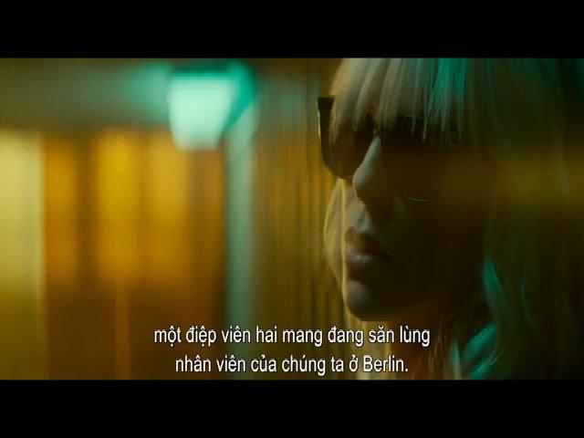 Charlize Theron đóng cảnh 'nóng' đồng tính trong Atomic Blonde