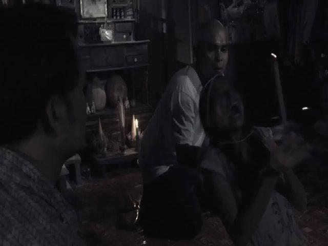 Cuốn phim ma quái ám người trong The Lost Case