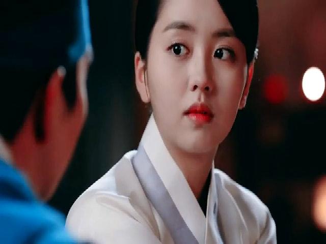 Kim So Hyun trong phim 'Mặt nạ quân chủ'