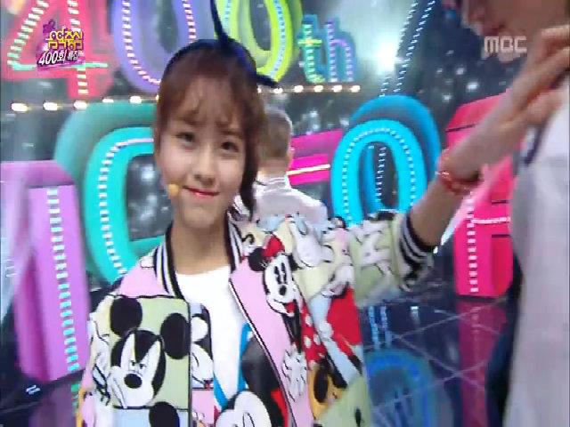 """So Hyun hát và nhảy """"Who do you"""" cùng đàn anh Minho"""