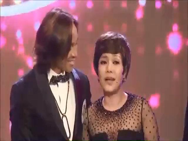 Việt Hương: 'Tôi có lỗi vì hay xa chồng suốt 11 năm lấy nhau'