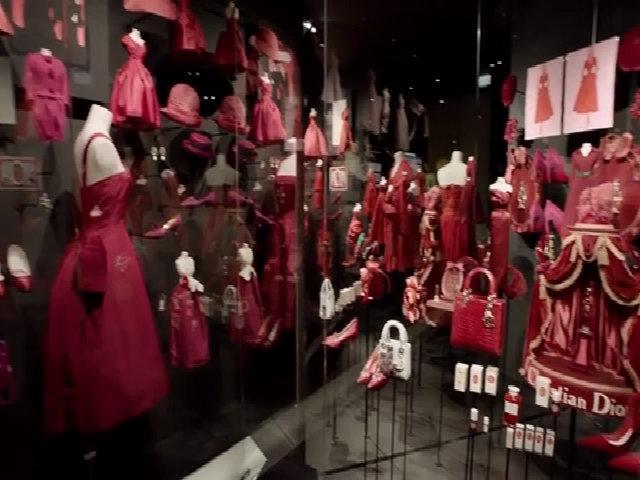 Triển lãm Designer of Dreams của Dior nhân 70 năm