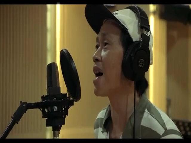 """Hoài Linh hát """"Dạ cổ hoài lang"""""""