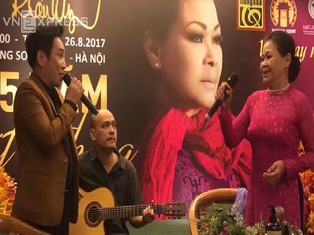 Khánh Ly cùng ca sĩ Quang Thành hát 'Nước mắt quê hương'