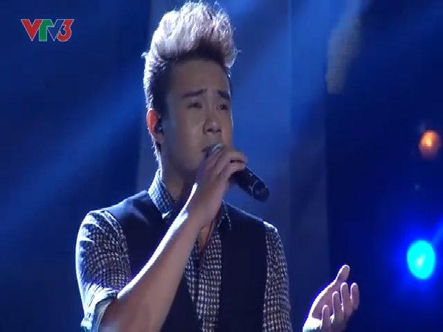 """Đông Hùng hát """"Chưa bao giờ"""" ở Vietnam Idol 2014"""