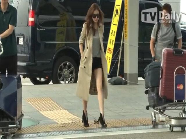 Kang So Ra sành điệu bay đến Mỹ