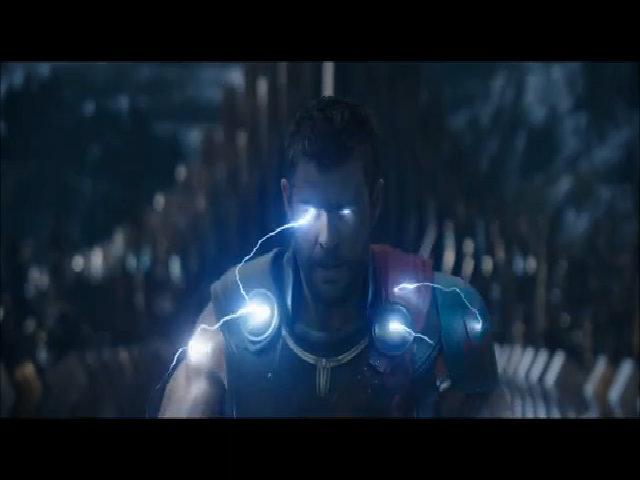 Thor phát ra sét từ mắt trong đoạn phim mới