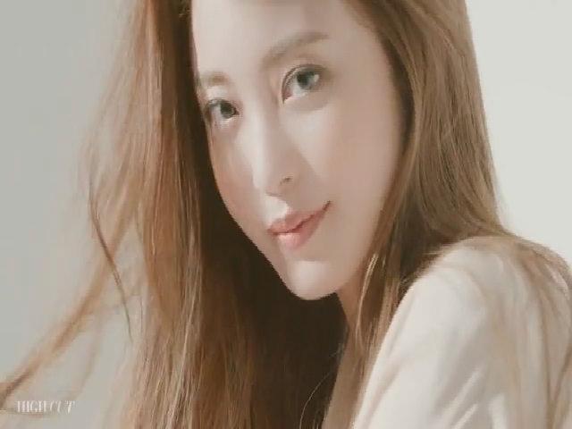 Han Ye Seul khoe sắc trên tạp chí hồi tháng 6