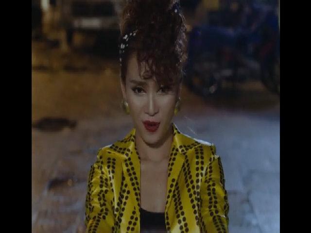 Ái Phương thử sức với phong cách disco