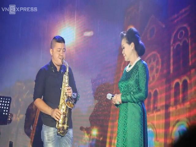 """Khánh Ly hát """"Em còn nhớ hay em đã quên"""""""
