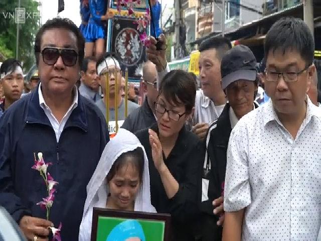 Đông đảo nghệ sĩ đưa tiễn danh hài Khánh Nam