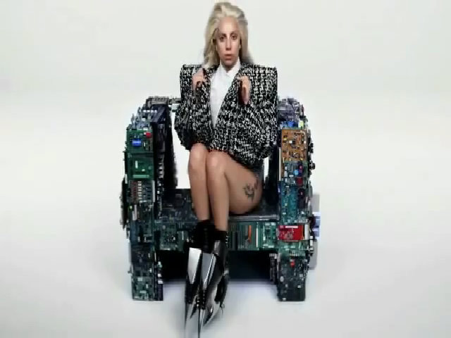 Lady Gaga - Swine