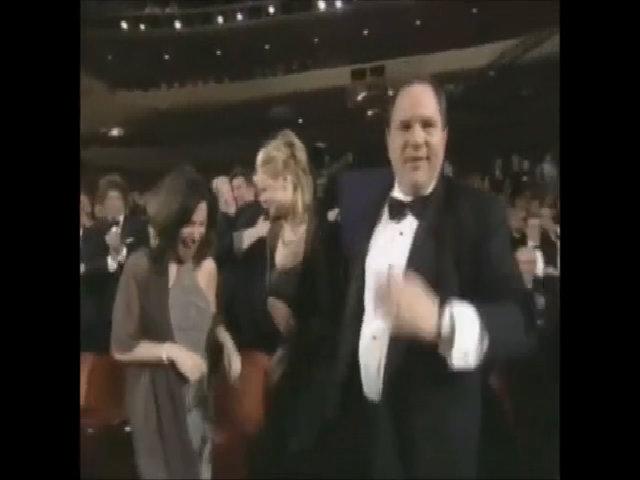 "Weinstein cùng êkíp ""Shakespeare in Love"" nhận Oscar ""Phim xuất sắc"""