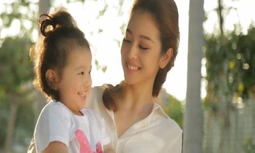 Jennifer Phạm - từ hoa hậu đến bà mẹ ba con