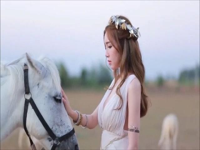Hậu trường một buổi chụp ảnh của Elly Trần