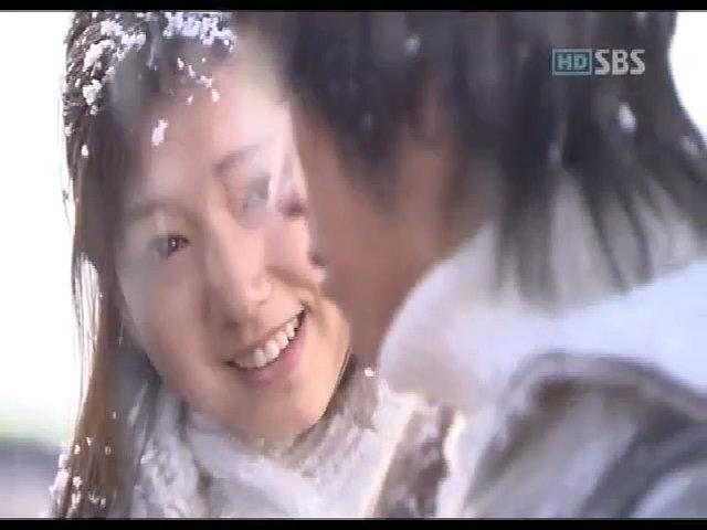 Park Shin Hye và Lee Wan trong 'Cây thông thiên đường'