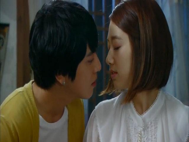 Jung Yong Hwa và Park Shin Hye trong 'Nốt nhạc tình yêu'