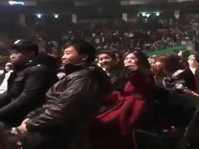 Song Joong Ki - Song Hye Kyo lần đầu tái xuất bên nhau sau đám cưới