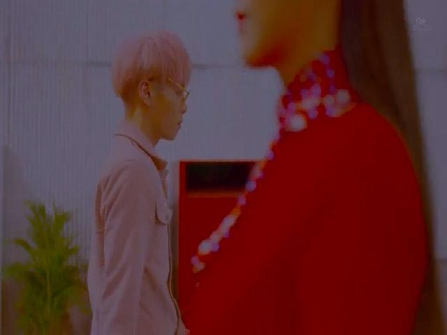 """Jong Hyun hát 'She is"""""""