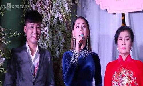 Lâm Khánh Chi tổ chức tiệc nhóm họ hoành tráng ở biệt thự riêng