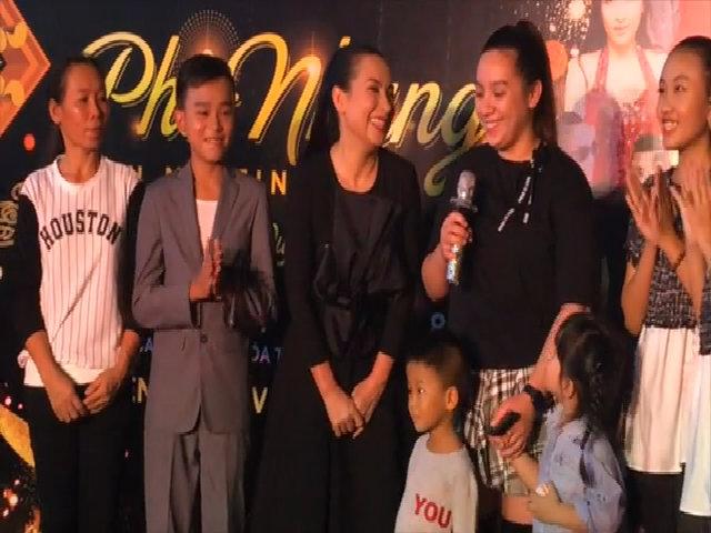 Con gái Phi Nhung hồi hộp chào khán giả Việt