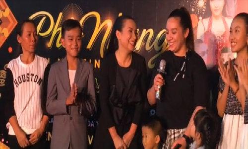 Hồ Văn Cường diễn thời trang cùng mẹ nuôi Phi Nhung - ảnh 11