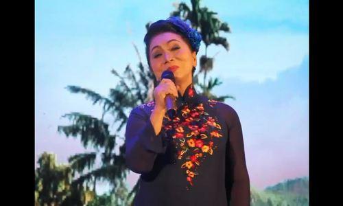 Bạch Tuyết được khán giả liên tục cổ vũ khi hát tân cổ