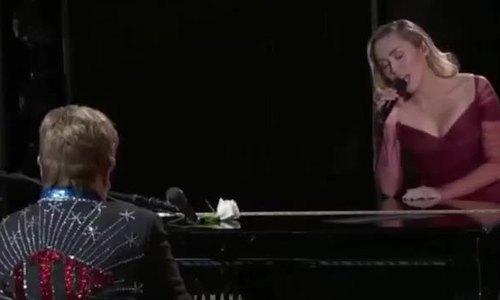 Elton John hát với Miley Cyrus Grammy 2018