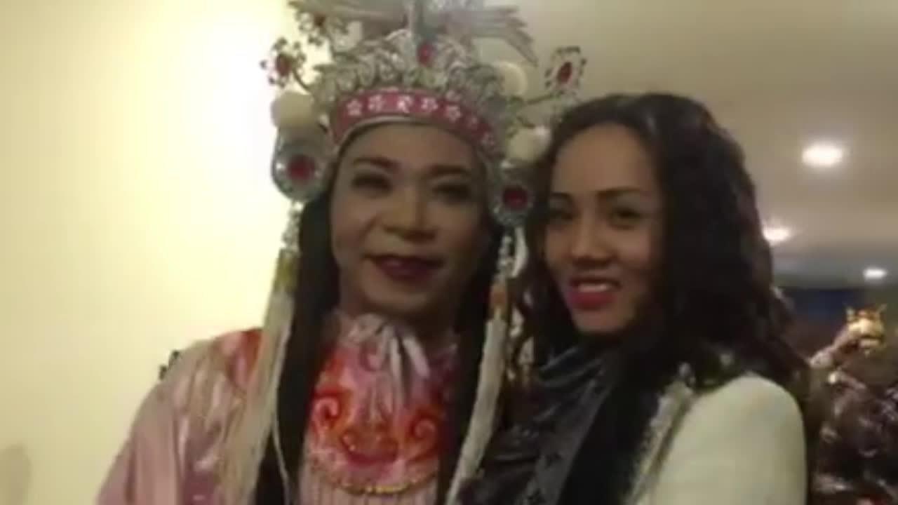 Bạn gái cổ vũ Công Lý diễn Táo quân 2018