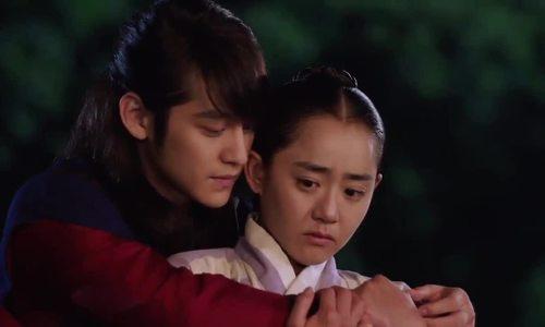 Kim Bum và Moon Geun Young trong 'Nữ thần lửa Jung Yi'