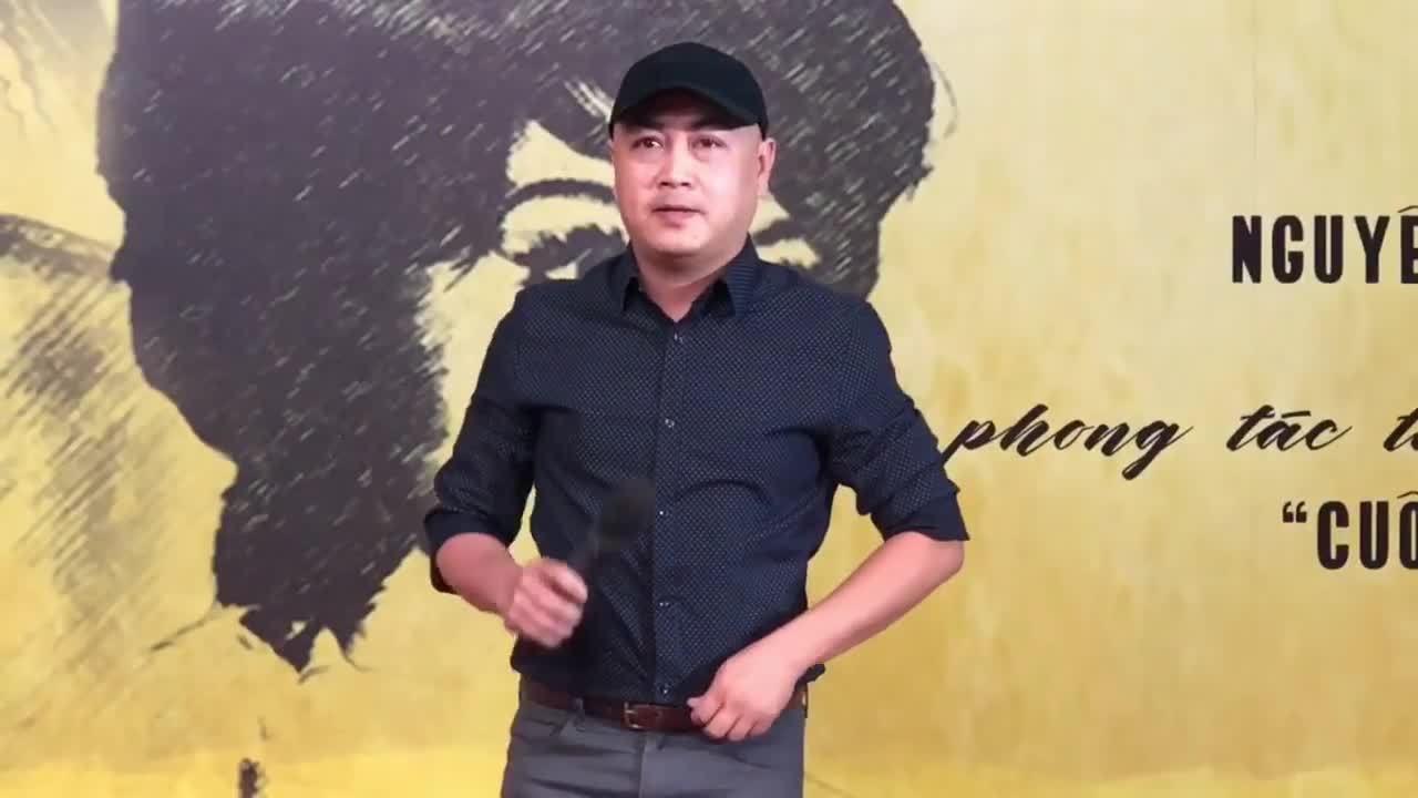 * Nghệ sĩ Lê Hiếu giả giọng Thanh Sang, Thanh Nga ở sự kiện