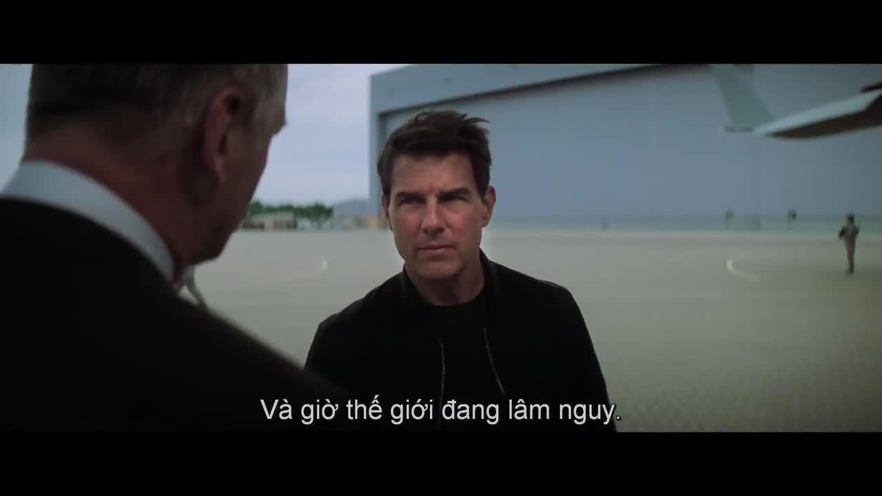 Tom Cruise đu mình trên trực thăng trong 'Mission: Impossible 6'