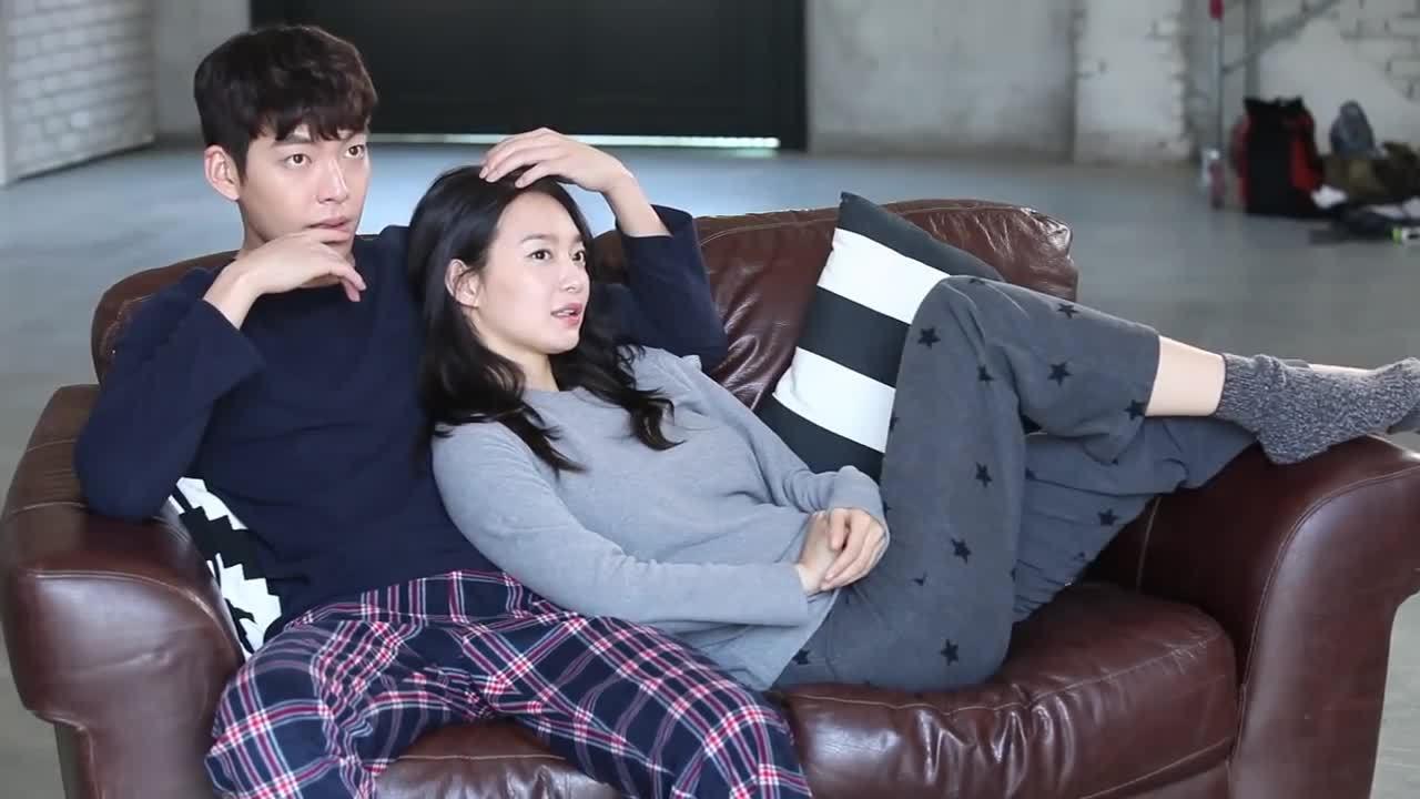 Shin Min Ah và Kim Woo Bin chụp ảnh thời trang