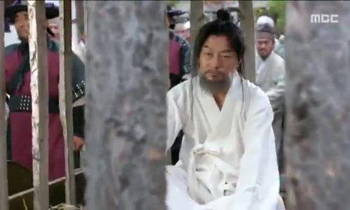 Tài tử 53 tuổi Hàn Quốc khóa mạng xã hội vì bê bối quấy rối tình dục