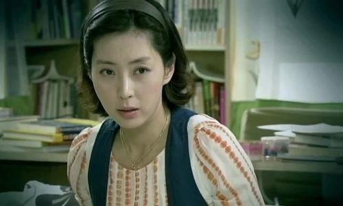 Diễn xuất của Song Yoon Ah trong 'Sóng gió hậu trường'