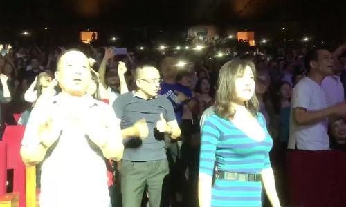 Giọng ca Modern Talking khiến 4000 khán giả Hà Nội phấn khích