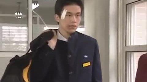 Lee Dong Wook trong phim phim 'School 2'